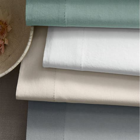 linen vs cotton sheets percale vs sateen what is the difference threads by