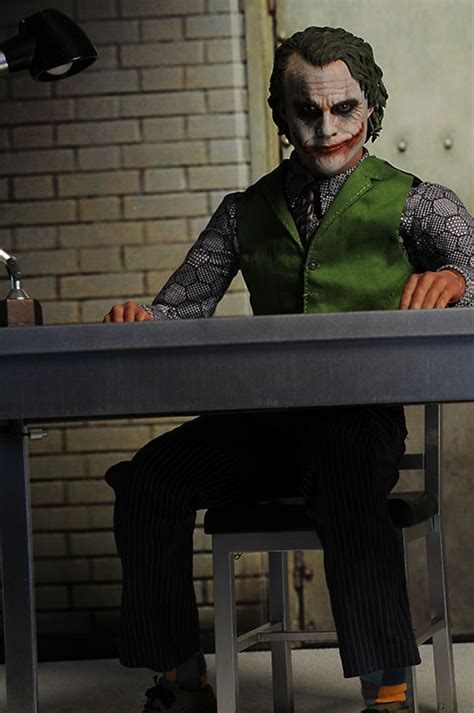 Toys 14 Joker The Ht Qs010 Batman review and photos of dx11 joker sixth scale figure by toys