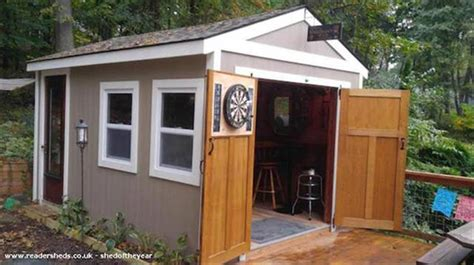 bar sheds    man caves  pics