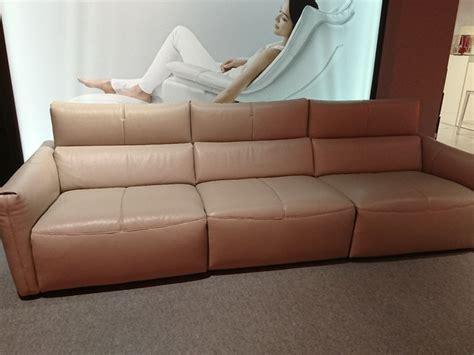 divano pelle prezzo divano relax in pelle natuzzi a prezzo scontato
