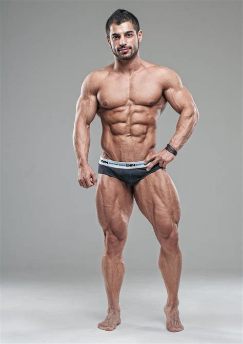 muscular man 31401 pin by keith williams on figure pose reference pinterest