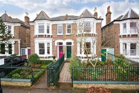 5 bedroom house in london 5 bedroom semi detached house for sale in rylett crescent