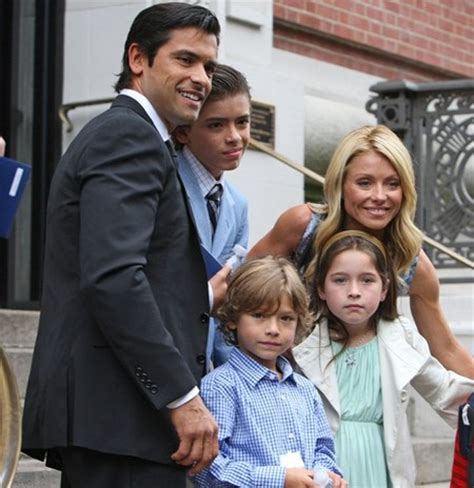 kelly ripa children 2014 kelly ripa family photos 2014 newhairstylesformen2014 com