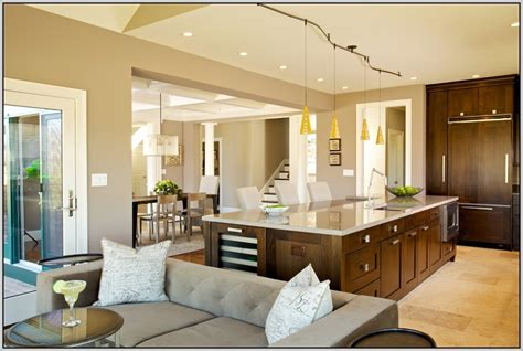 choosing paint colors for open floor plan
