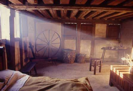 Medieval House Interior Medieval Peasant House Interior All Things Medieval