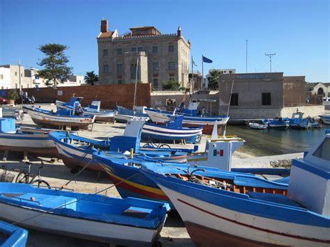 porto trapani favignana porto di favignana viaggi vacanze e turismo turisti
