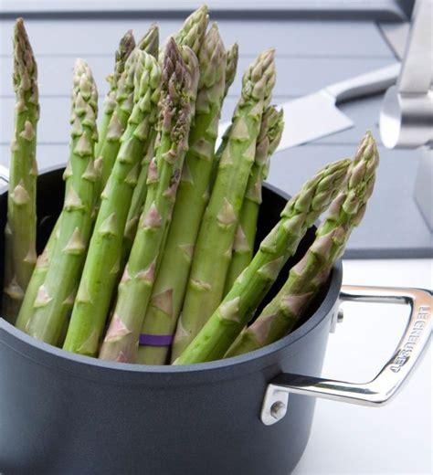 come si cucina gli asparagi come pulire gli asparagi trucchi e consigli buttalapasta
