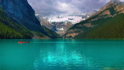 emerald lake louise canada hd wallpaper wallpaperfx