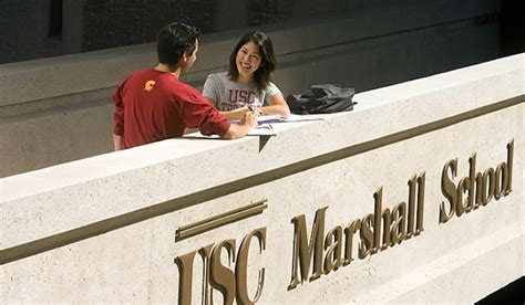 Of Southern California Marshall School Of Business Mba by Mba Pay Bonus Up 8 At Usc