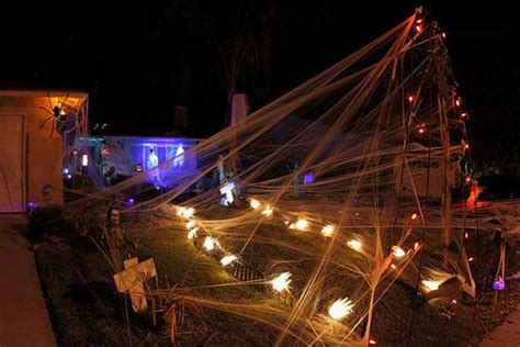 halloween themes for yards 13 halloween front yard decoration ideas