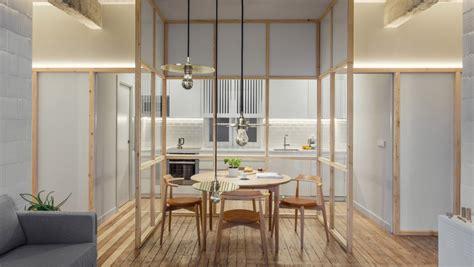 D Ziner 8127 Hitam Transparan apartemen dengan balok beton ekspos dan partisi kaca yang