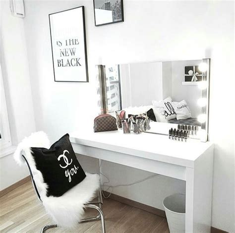 Bedroom Table For Makeup Best 20 Dressing Tables Ideas On Vanity