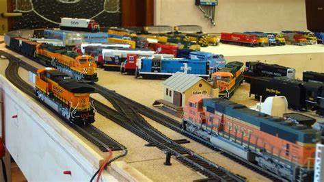 youtube h0 layout h0 bnsf model train action on my friends layout youtube
