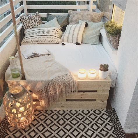 deco balcony 20 cozy balcony decorating ideas bored panda