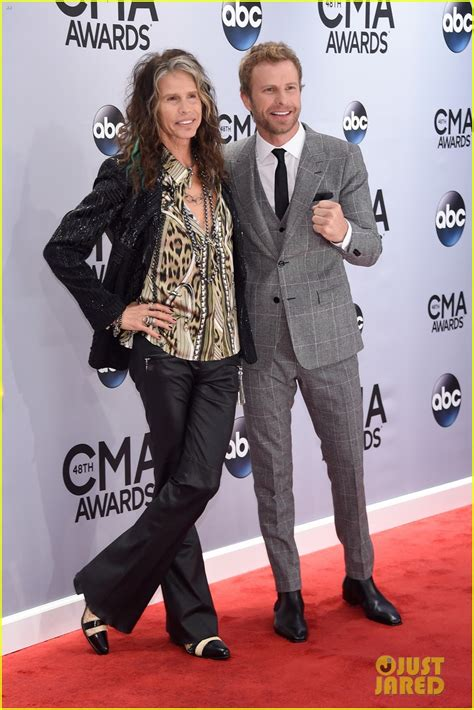 rapper cassidy bentley the band perry steven tyler meet up at cmas 2014 photo
