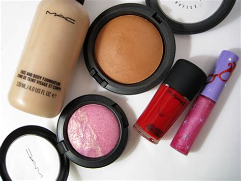 Mac Makeup Giveaway - two ways to win 104 in mac cosmetics makeup and beauty blog
