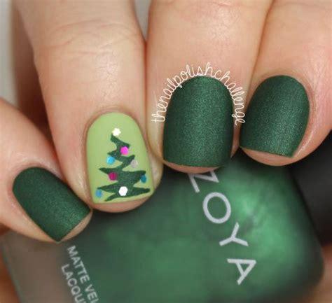easy nail art christmas 18 easy cute christmas nail art designs ideas trends