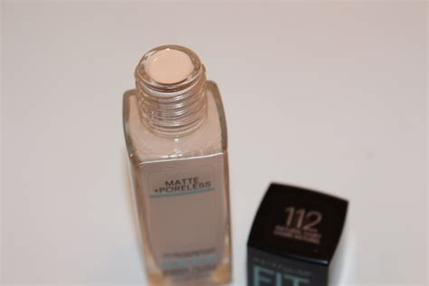 Maybelline Fit Me Foundation Matte Poreless maybelline fit me matte poreless foundation review really ree