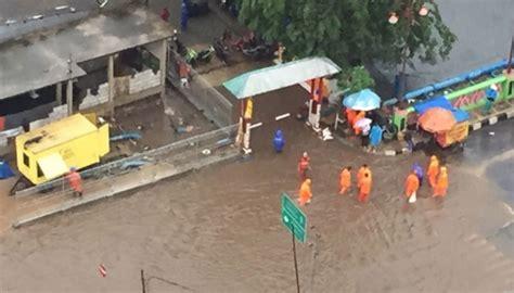 Informasi Go Kilat Gudang Sprei Jakarta banjir kepung ibu kota ini 54 titik genangannya metro tempo co