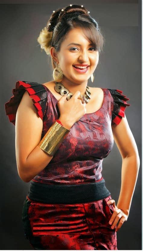 south indian film actress bhama hot   wallpapers