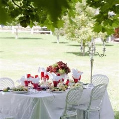how to use a table runner 17 best ideas about tulle table runner on