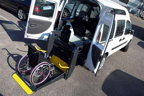 auto con pedana per disabili dobl 242 usato trasporto disabili fiat doblo tetto alto