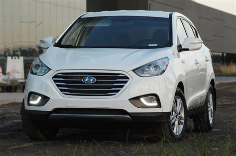 hyundai crossover 2015 2015 hyundai tucson fuel cell hydrogen crossover first drive