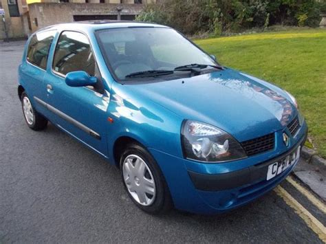 renault clio 2002 used 2002 renault clio hatchback blue edition 1 5 dci 65