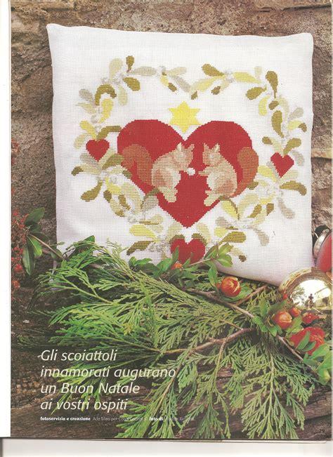 cuscino cuore uncinetto cuscino scoiattoli cuore 1 magiedifilo it punto croce