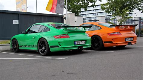 porsche 911 gt3 rs green 2x porsche 997 gt3 rs green or orange youtube