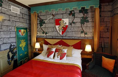 knights bedrooms legoland california resort opens lego themed hotel