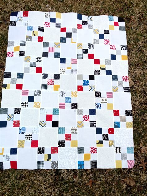 Chain Baby Quilt by Scrappy Chain Baby Quilt Finished Quiltytherapy