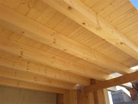 tavolati in legno legno marmo e luce per la percezione di un benessere