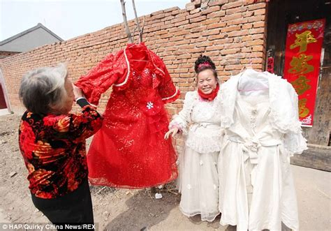 guys forced to wear wedding gown chinese bride permanently wears a wedding dress after