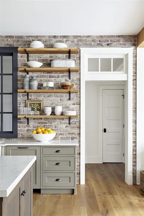 traditional farmhouse style home home bunch interior