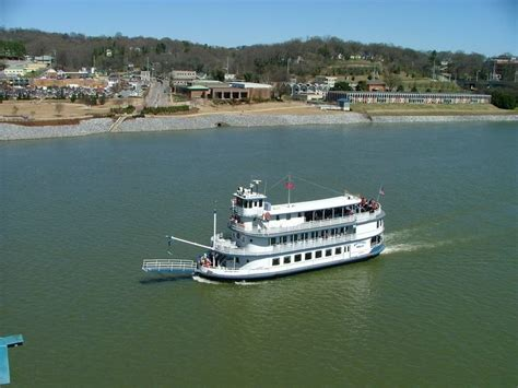 paddle boat chattanooga tn chattanooga tn southern belle riverboat on the