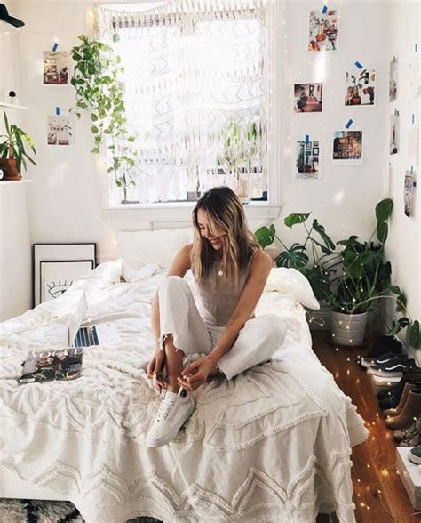 pretty girl dorm room  indoor plant ideas homemydesign