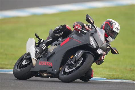Honda Cbr 1000rr by Review 2017 Honda Cbr1000rr Cycleonline Au