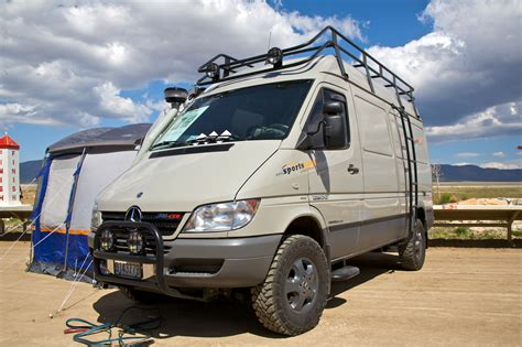 File:Sprinter with a 4x4 conversion.   Wikimedia Commons