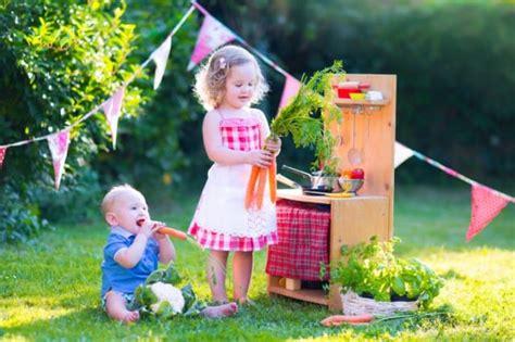 costruire libreria in legno come costruire una cucina in legno per bambini low cost