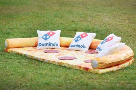 couch pizza the pizza sofa neatorama