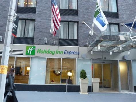 express new york 酒店外观 picture of inn express new york city wall