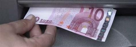 banche che erogano prestiti cambializzati pagare in contanti con carta di debito o di credito