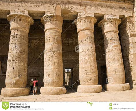 Imagenes De Columnas Egipcias | columnas egipcias foto de archivo imagen 7828750