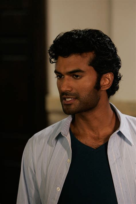 Sendhil Ramamurthy photo 84 of 84 pics, wallpaper   photo #512311   ThePlace2