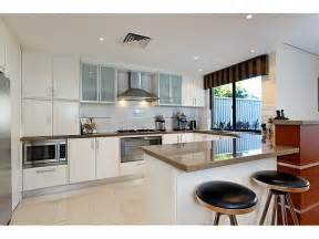 U Shape Kitchen Designs Modern U Shaped Kitchen Design Using Granite Kitchen