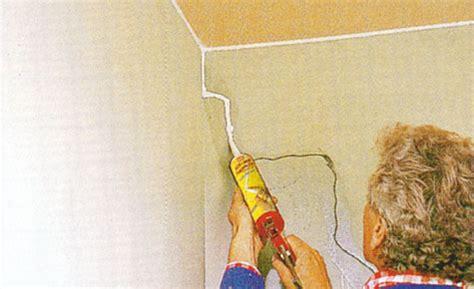 Neubau Risse Zwischen Wand Und Decke by Risse In Der Wand Mit Acryl Ausbessern