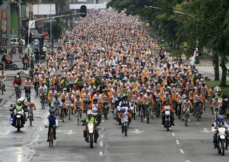 selecci 243 n colombia tendr 237 a su formaci 243 n confirmada para jugar ante chile por eliminatorias hsb por medell 237 n en bicicleta una de ciudad