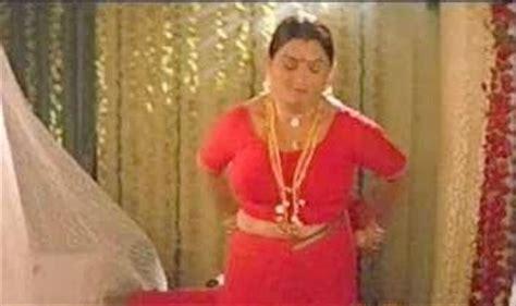 kushboo navel malayam bollywood actress hot wallpapers photos pictures