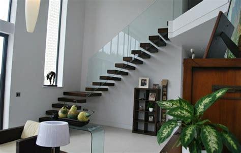 Edelstahlgeländer Treppe Außen by Freitragende Treppe 40 Moderne Designideen